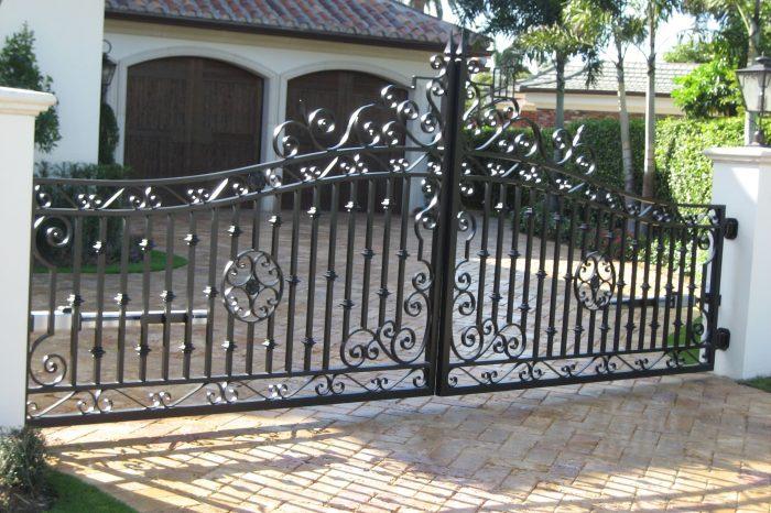 Entrance Driveway Gate 004