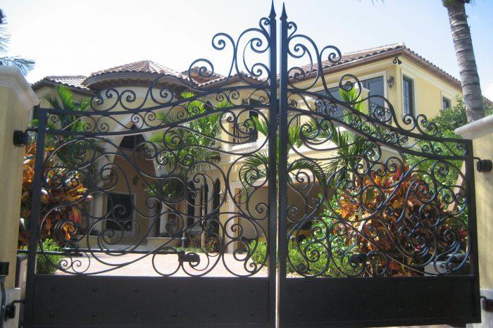 Entrance Driveway Gate 006