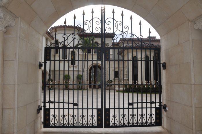 Entrance Driveway Gate 007