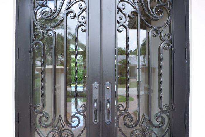 Exterior Front Door 005