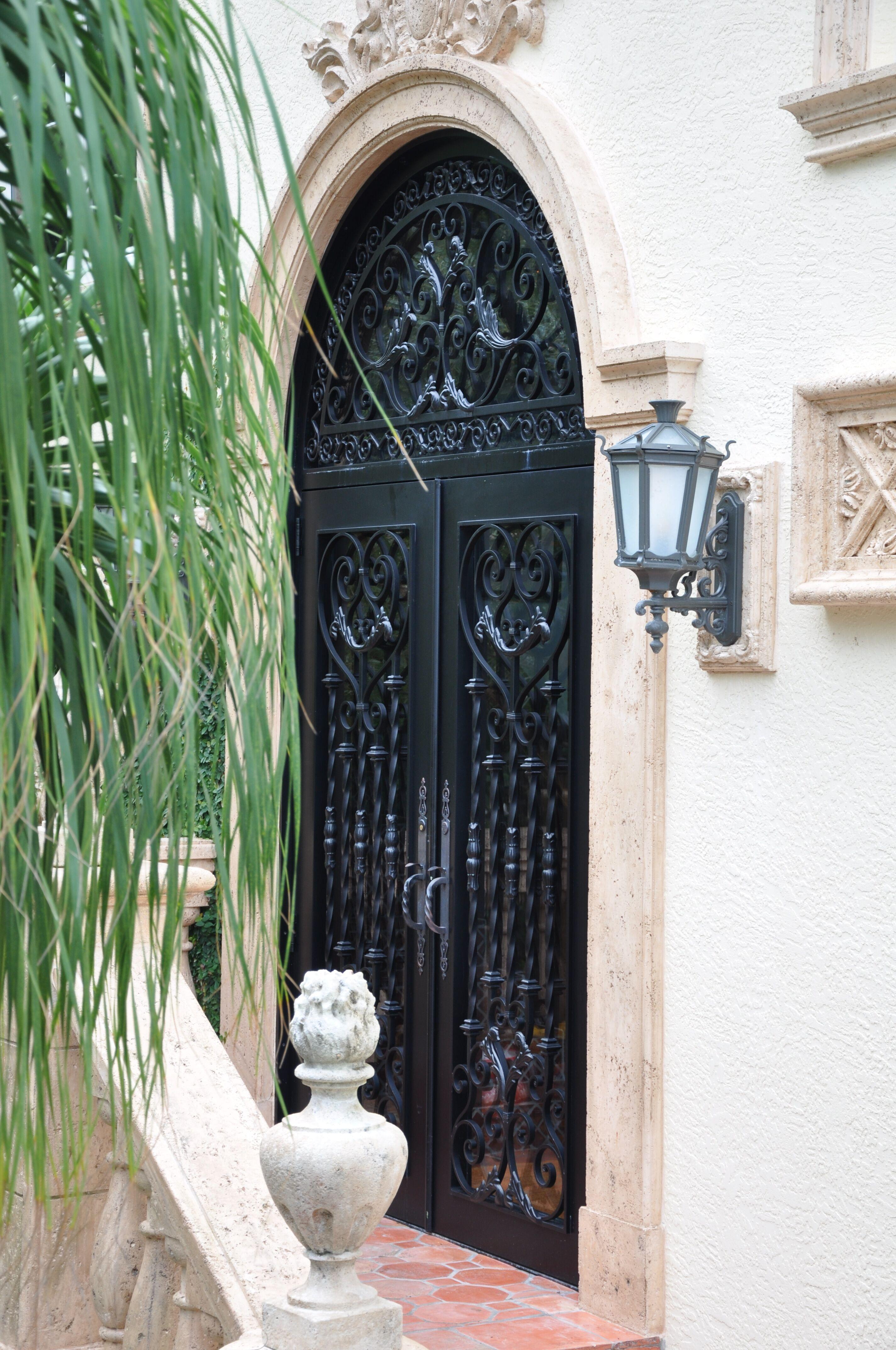 Exterior Front Door 006