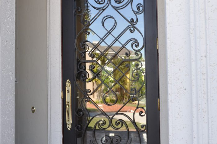 Exterior Front Door 008