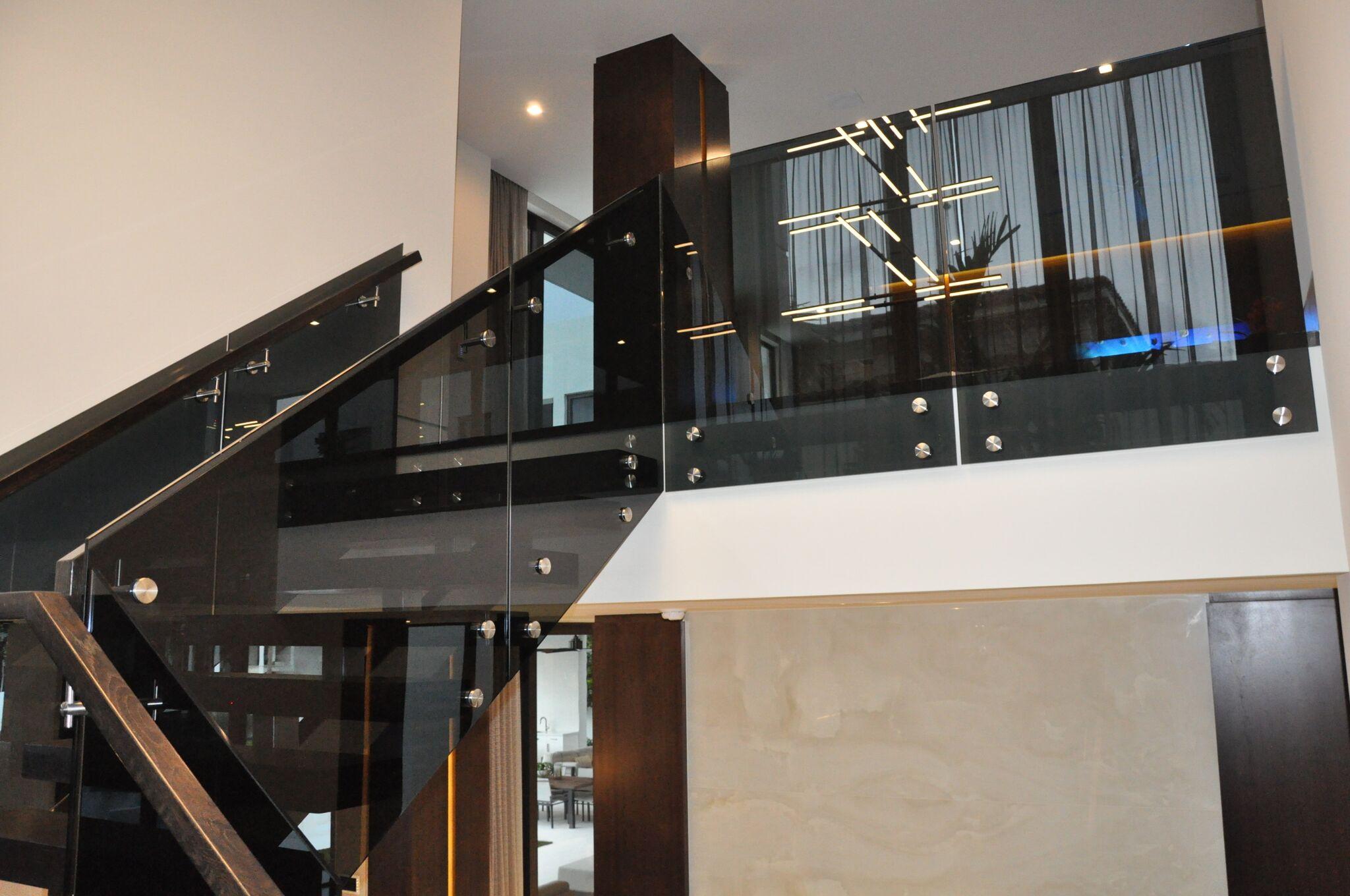 Interior Railings 009