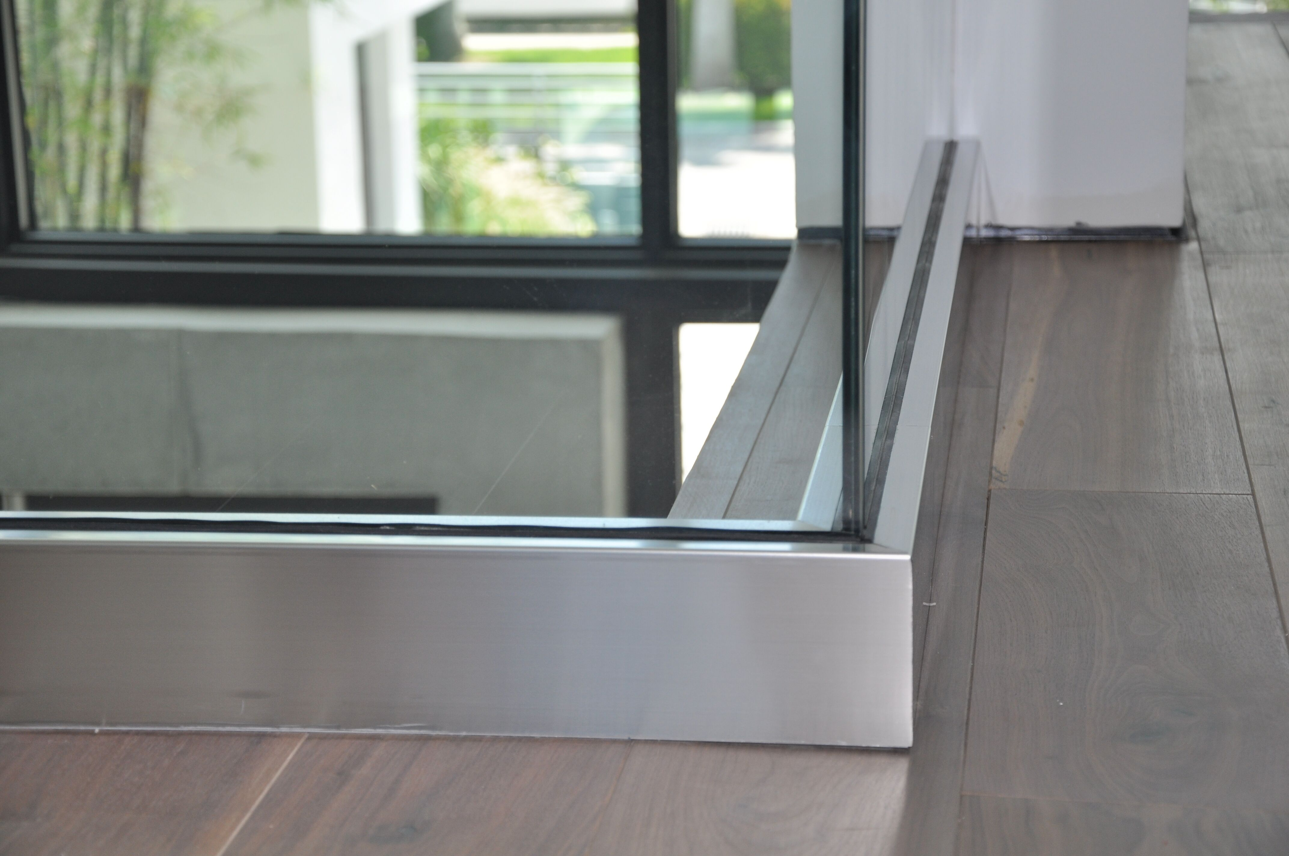 Stainless & Glass 009