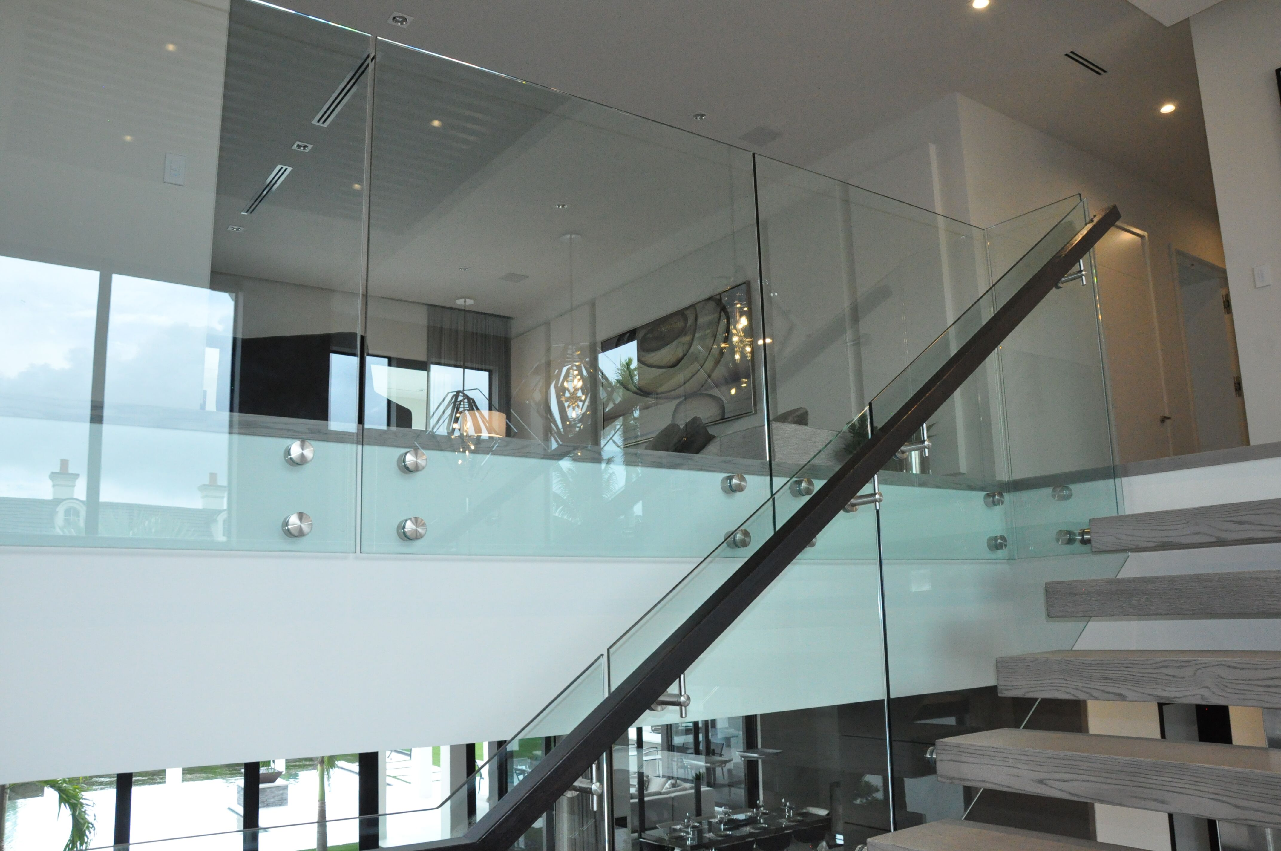 Stainless & Glass 032